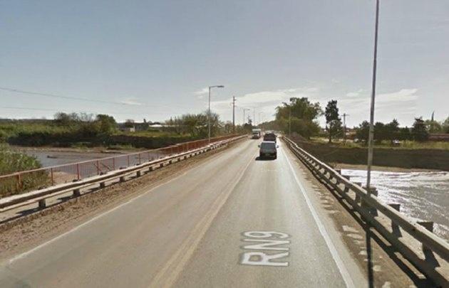 El vado alternativo se construirá a la derecha del puente sobre la ruta 9 norte.
