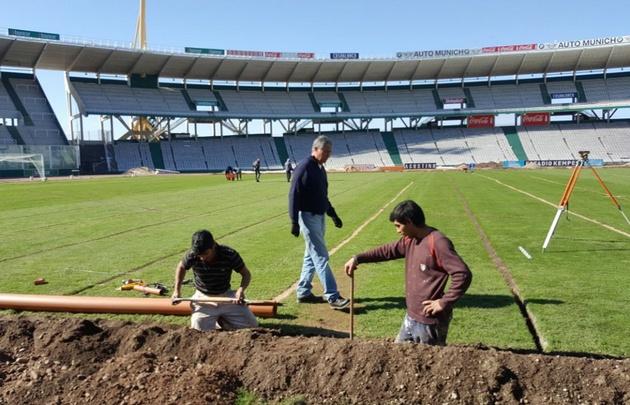 Tras las obras de drenaje, el Kempes recibirá a Talleres-Lanús.