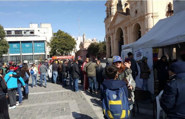 Los venezolanos residentes en Córdoba también participaron del referendum.