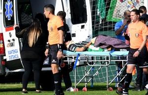 Olariaga sufrió hundimiento de cráneo y fue trasladado en ambulancia.