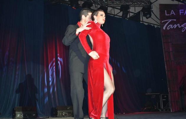 El Ballet La Juntada brilló en el Anfiteatro Carlos Gardel.