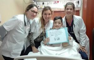 Alejo le donó médula ósea a su papá con leucemia.