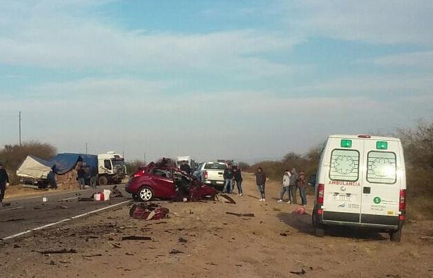 Trágico choque en la ruta 140 a 50 kilómetros de Chepes en La Rioja (Raúl Peñaloza).