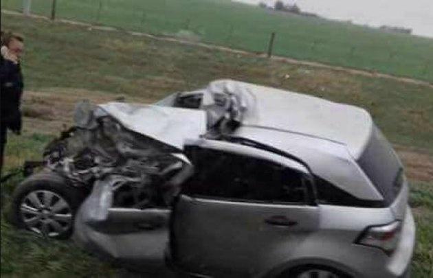 Así quedó el Chevrolet Agile tras el violento impacto. (foto: @TV5CABLESAT)
