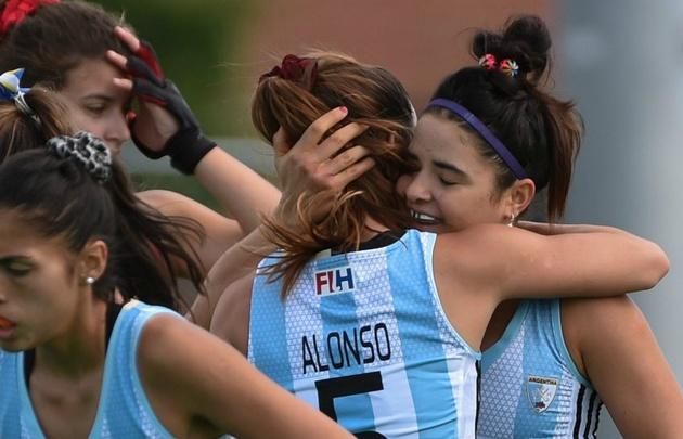 Las Leonas ganaron 2-1 a Chile.