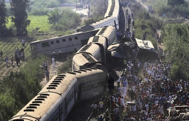 Casi 50 muertos en un choque de trenes en Egipto (Foto: EFE).