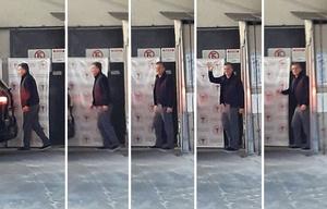 Macri salió caminando por sus propios medios del sanatorio.