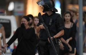 La Policía refuerza los controles tras el doble atentado.