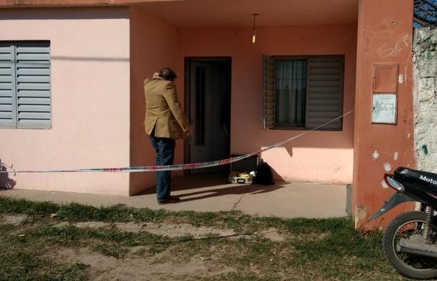 El cuerpo de la chica tendría rastros de violencia.