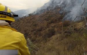 Los bomberos tuvieron una ardua tarea para extinguir el incendio.