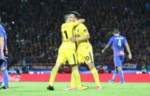 Boca se llevó un agónico triunfo en Paraguay.