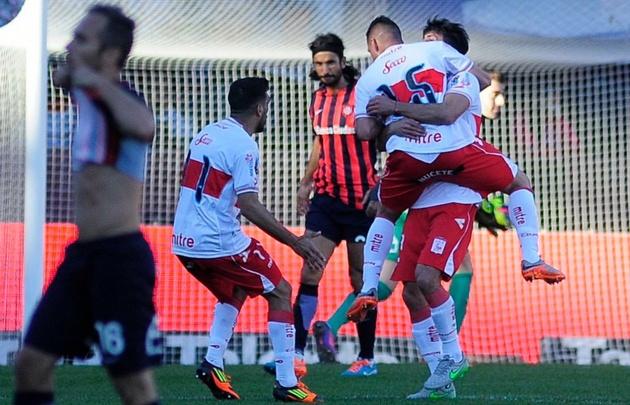 Deportivo Morón dio la sorpresa y venció a San Lorenzo.