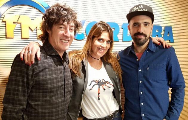 El Cuarteto de Nos con Flavia Irós en los estudios de Fm Córdoba