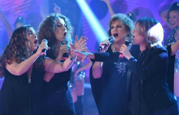 Las cantantes dieron inicio al Cuarteto de tres.