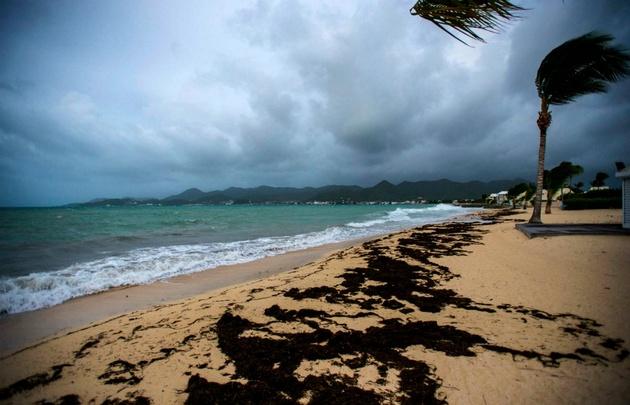Irma atravesó la isla caribeña de Barbuda con ''importantes'' daños.