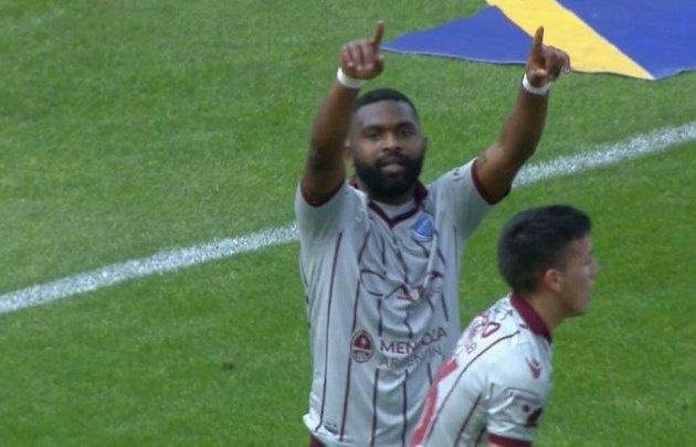 ''El Morro'' García le dio la agónica victoria a Godoy Cruz
