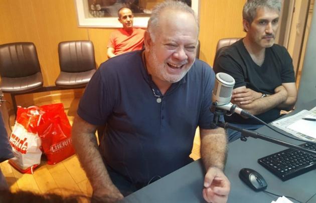 Cacho Buenaventura visitó los estudios de Viva la Radio.