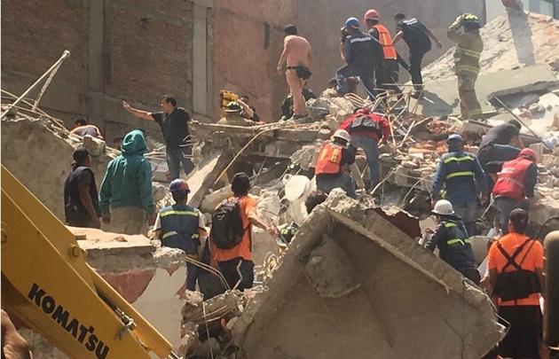 El terremoto en México dejó un saldo de más de 300 muertos.
