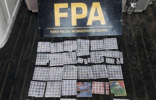 Secuestraron más de 700 troqueles de LSD en Carlos Paz.