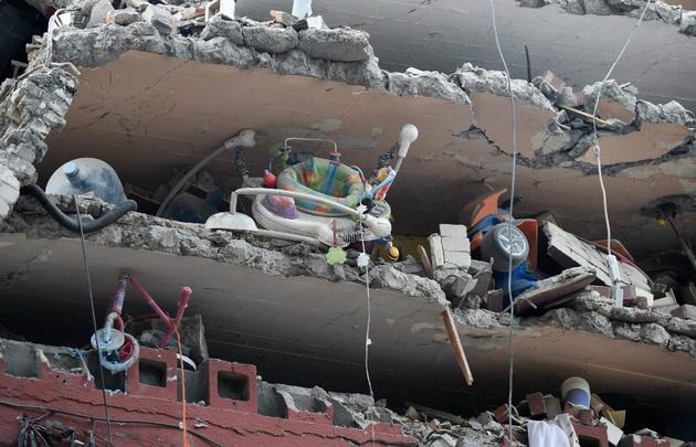 El terremoto dejó escenas de desolación por todas partes.