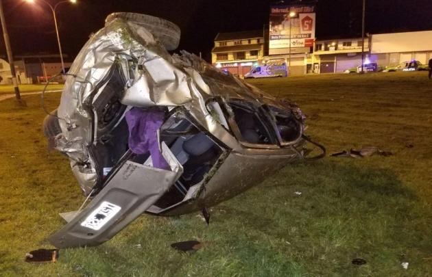 El vehículo quedó prácticamente destrozado.