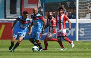 Instituto cayó ante Brown de Adrogué por 1 a 0.