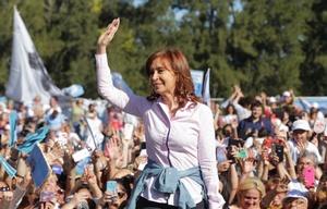 Cristina Fernández de Kirchner encabezó un acto en Ezeiza.