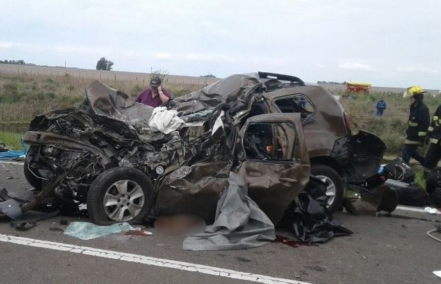 Violento choque frontal en ruta 33: tres muertos y dos heridos