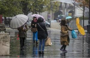 Rige un alerta por abundantes lluvias en el centro del país.