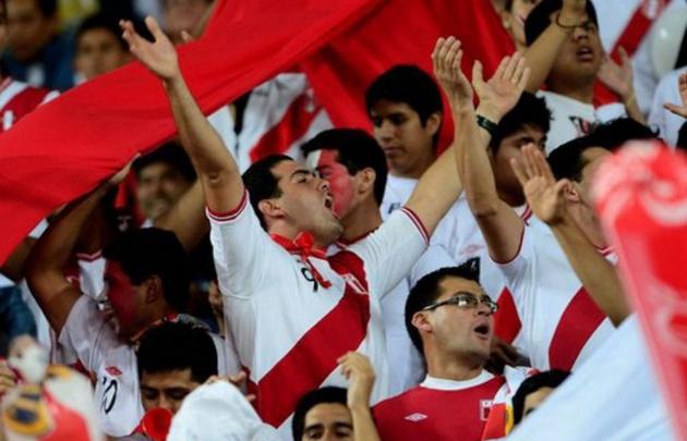 Los Peruanos apelan a todos los recursos para lograr un triunfo.