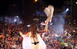 La Sole, ante una multitud en Arequito (Foto: Hugo Zaccardi)