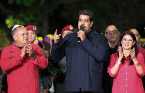 La oposición denuncia fraude en los comicios electorales para elegir gobernadores.