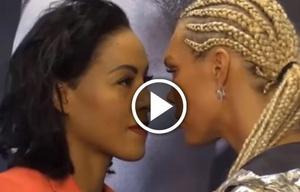Una boxeadora besó a su rival en plena conferencia.
