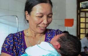 Nació un bebé de 7 kilos en Vietnam.