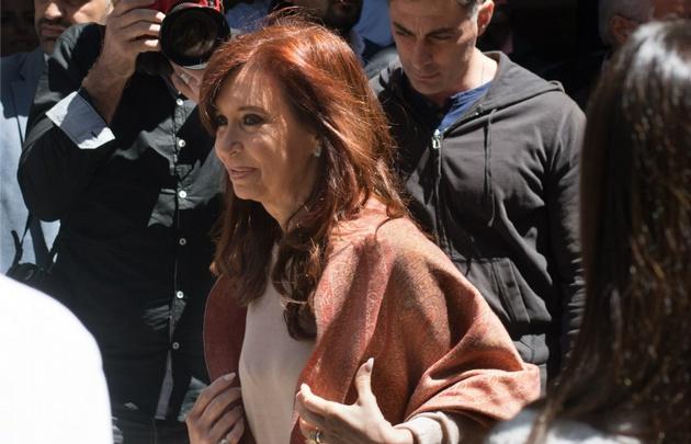 Cristina adelantó que se quedará en Buenos Aires a esperar el resultado.
