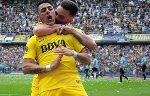 Cristian Pavón festejó el primer gol de Boca a Belgrano haciendo la ''T''.