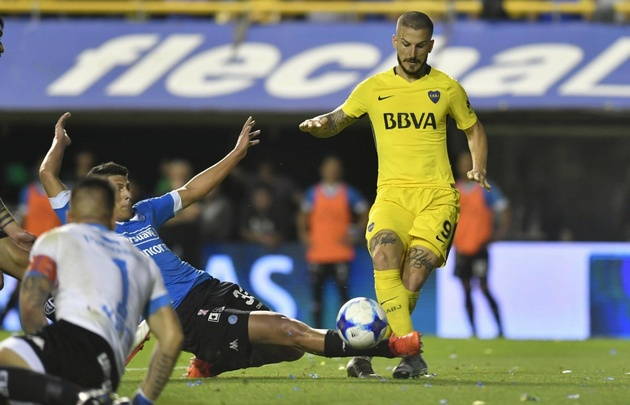 Boca aplastó a un deslucido Belgrano en La Bombonera.