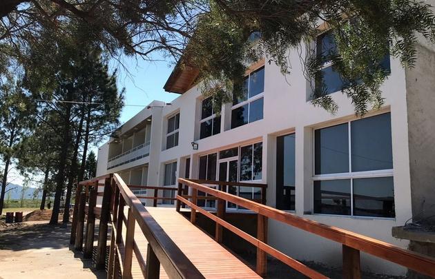 El hotel tendrá dos pisos con habitaciones muy amplias.