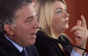 Nicolás Dujovne informó que las jubilaciones se ajustarán por inflación.