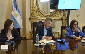 Macri logró un acuerdo fiscal con los gobernadores.