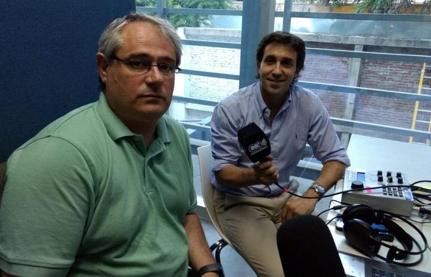 El analista Francisco Javier Mas junto a Luis Fernández Echegaray.