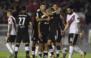 Con el triunfo, Independiente llegará entonado al clásico de Avellaneda.