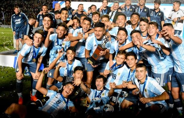 Los futbolistas del Sub 15 argentino lograron un histórico título en San Juan.