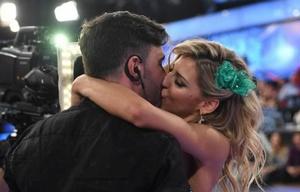 Fede Hoppe y Macarena Rinaldi se besaron en el Bailando.