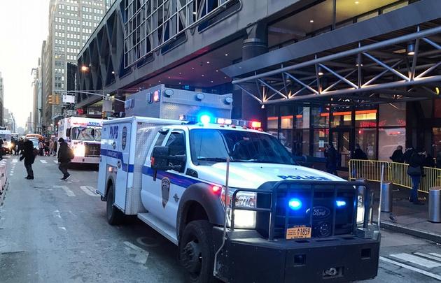 Investigan explosión en el Port Authority Bus Terminal de Nueva York. (New York Post)