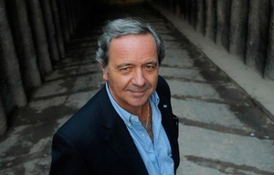 Jorge Irigoin será desplazado del Correo.