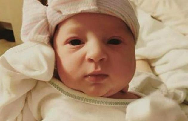 Emma, la beba que nació de un embrión congelado durante 24 años.