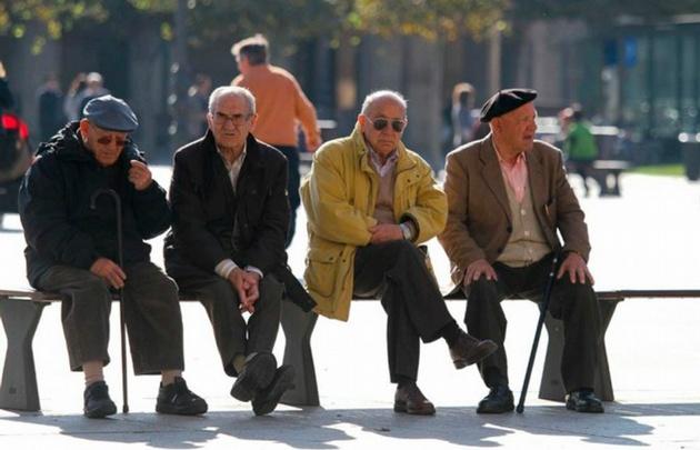 Los jubilados cobrarán con aumento en marzo.