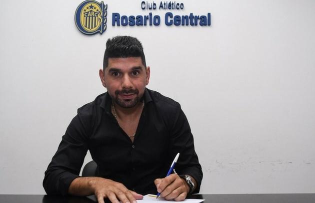 Ortigoza firmó contrato y es nuevo refuerzo de Rosario Central.