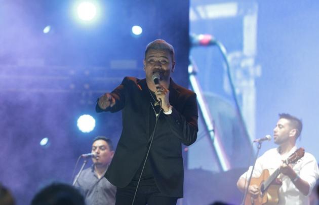 Wally Mercado, cantante de Sabroso, fue invitado a cantar junto a Los Legales.
